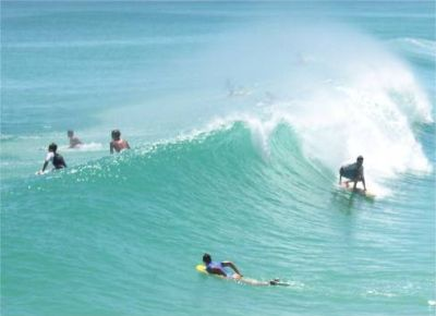 Surfing at La Palmera only 20 minutes from Casa de Alhambra - Click for more information
